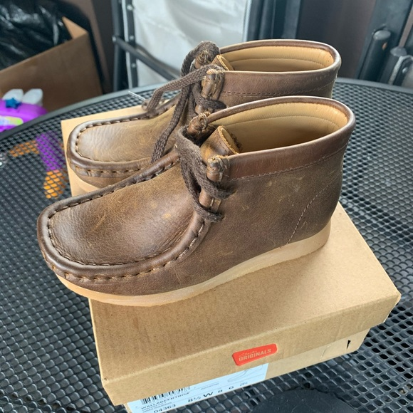 Brand New Kids Brown Clarks Wallabees